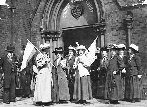 Suffragettes demonstrating outside the Police Court