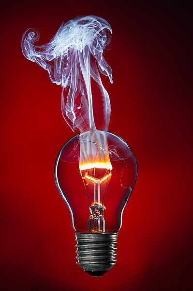 File:Glühwendel brennt durch.jpg