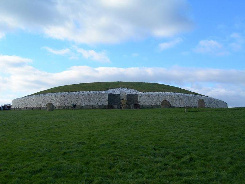 File:Newgrange.JPG