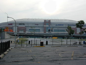English: Edward Jones Dome - Home of St. Louis...