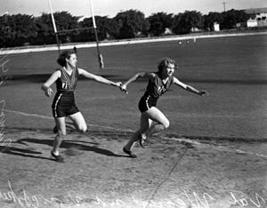 Runners in a relay race, Brisbane, 1939 Val We...