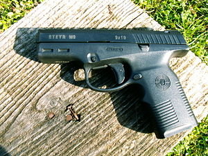 English: Steyr M9 semi-automatic pistol.