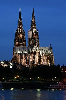 Kölner Dom abends