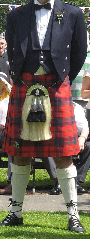 English: Kilt and Sporran worn as formal eveni...