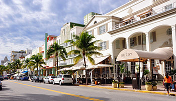 English: Ocean Drive, South Beach, Miami, Flor...
