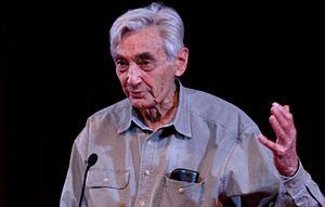 English: Historian Howard Zinn speaking in 2009