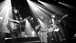 English: Tegan and Sara performing at the Pola...