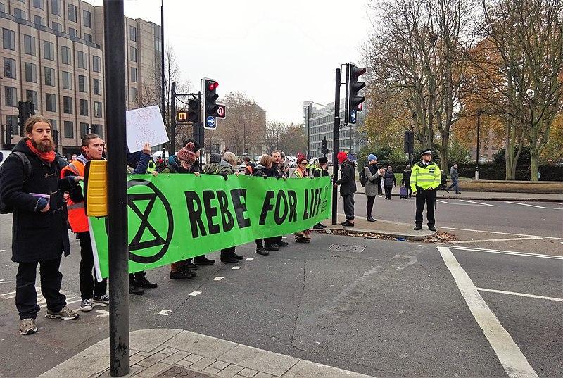 File:London November 23 2018 (20) Extinction Rebellion Protest Tower Hill.jpg