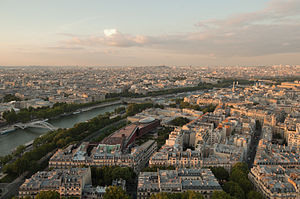 English: The Seine and 7th arrondissement as s...