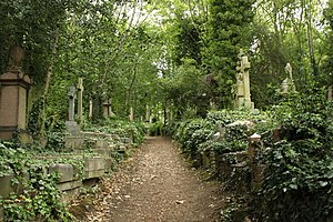 English: A picture of Highgate Cemetery - East