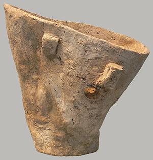 Holzeimer, etwa 3.700 v. Chr., gefunden im Sch...