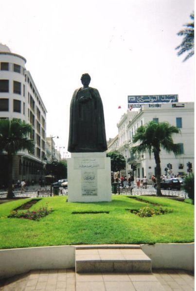 Ibnu Khaldun's statue in Tunisia from Wikipedia