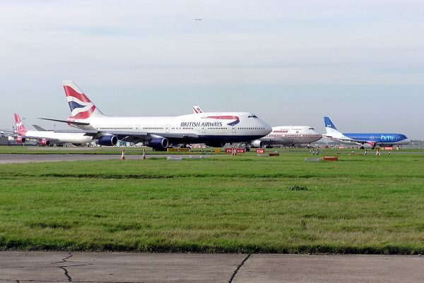 Busiest airports in the United Kingdom by total passenger ...
