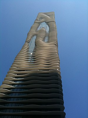English: Western facade of Aqua in Chicago.