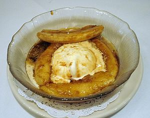 Bananas Foster at Brennan's Restaurant, New Or...