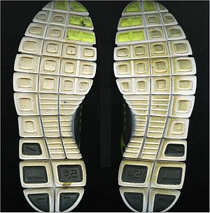 English: Outsoles of a suspect's shoe.