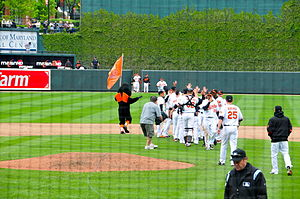 English: Baltimore Orioles celebrate after bea...