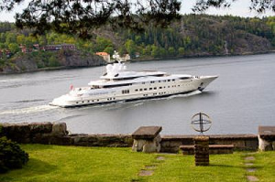 The yacht Pelorus at inlet to Stockholm