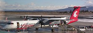 English: A Horizon Air Bombardier Q400 in prom...
