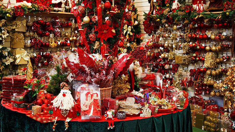 File:Inside a christmas shop.jpg