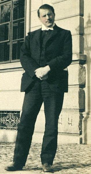 File:Jung 1910-crop.jpg