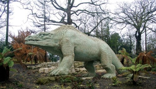 File:London - Crystal Palace - Victorian Dinosaurs 1.jpg