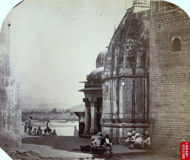 https://i1.wp.com/upload.wikimedia.org/wikipedia/commons/thumb/c/c9/A_ghat_at_Haridwar%2C_1860s.jpg/709px-A_ghat_at_Haridwar%2C_1860s.jpg?resize=626%2C529&ssl=1