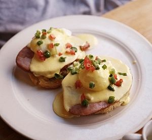 English: Eggs Benedict, made at the Clinton St...