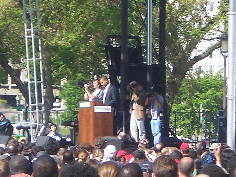 File:Obama at Darfur rally 4.JPG