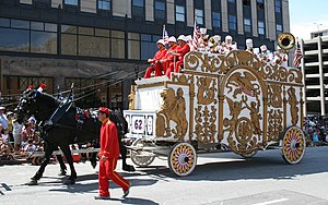 A bandwagon in the 2009 Great Circus Parade, M...