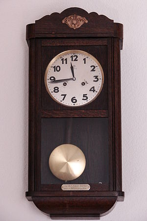 Pendulum box clock ca. 1886