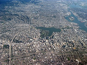 English: Aerial view of city of Oakland, Calif...