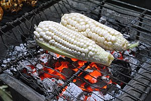 Fresh corn ready to roast in Mexico City stree...