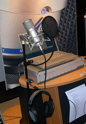 English: Neumann D-01 digital microphone and N...