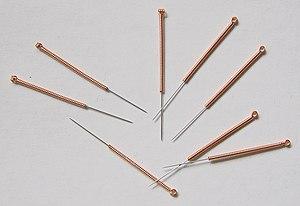 English: Acupuncture needles. Deutsch: Akupunk...