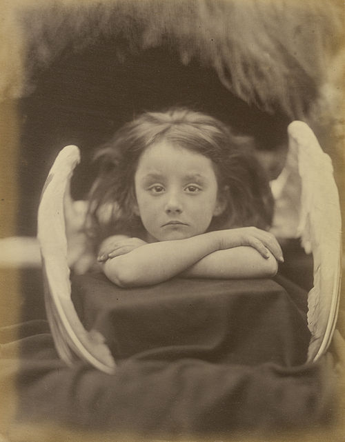 https://i1.wp.com/upload.wikimedia.org/wikipedia/commons/thumb/c/cc/I_Wait%2C_by_Julia_Margaret_Cameron.jpg/500px-I_Wait%2C_by_Julia_Margaret_Cameron.jpg