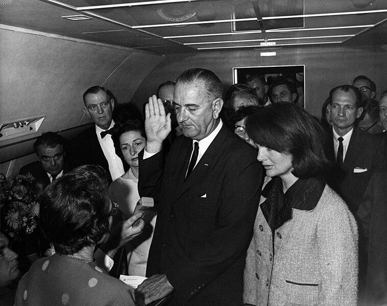 File:Lyndon B. Johnson taking the oath of office, November 1963.jpg