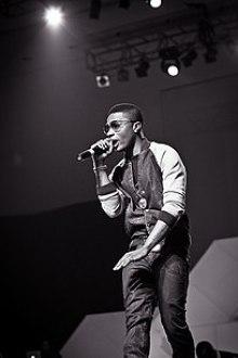 Wizkid at Iyanya's album launch concert, 2013.jpg
