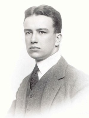 English: Cropped photo of young Buckminster Fuller