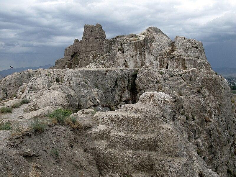 File:Castle Van in Van, Turkey.JPG
