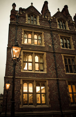 English: Gas lighting in the Honorable Society...