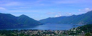 Deutsch: Lago Maggiore von Locarno Monti aus. ...