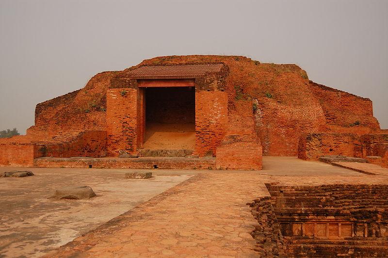 File:Vikramshila stupa.jpg