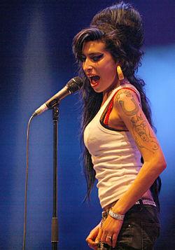 Winehouse em um festival na França