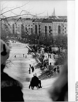 Bundesarchiv Bild 183-T0222-0011, Berlin, Frie...