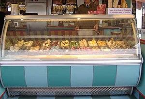 English: English ice cream parlour