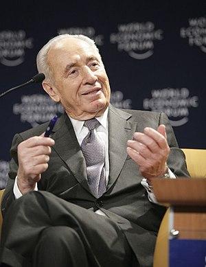 DAVOS/SWITZERLAND, 26JAN07 - Shimon Peres, Vic...