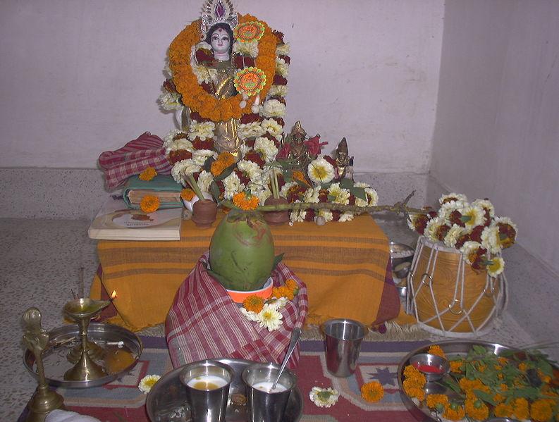 File:Swaraswatialtar.jpg