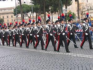 Parata dei carabinieri il 2 giugno 2006 a Roma
