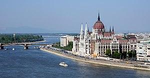 English: Budapest Parliament. Français : Le pa...